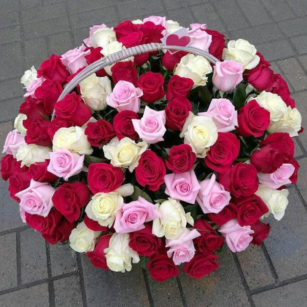 Купить корзину роз в Краснодаре