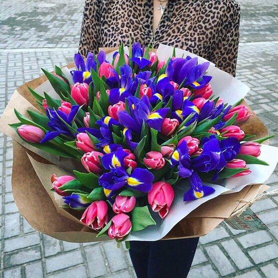 Букеты для женщин на 8 марта